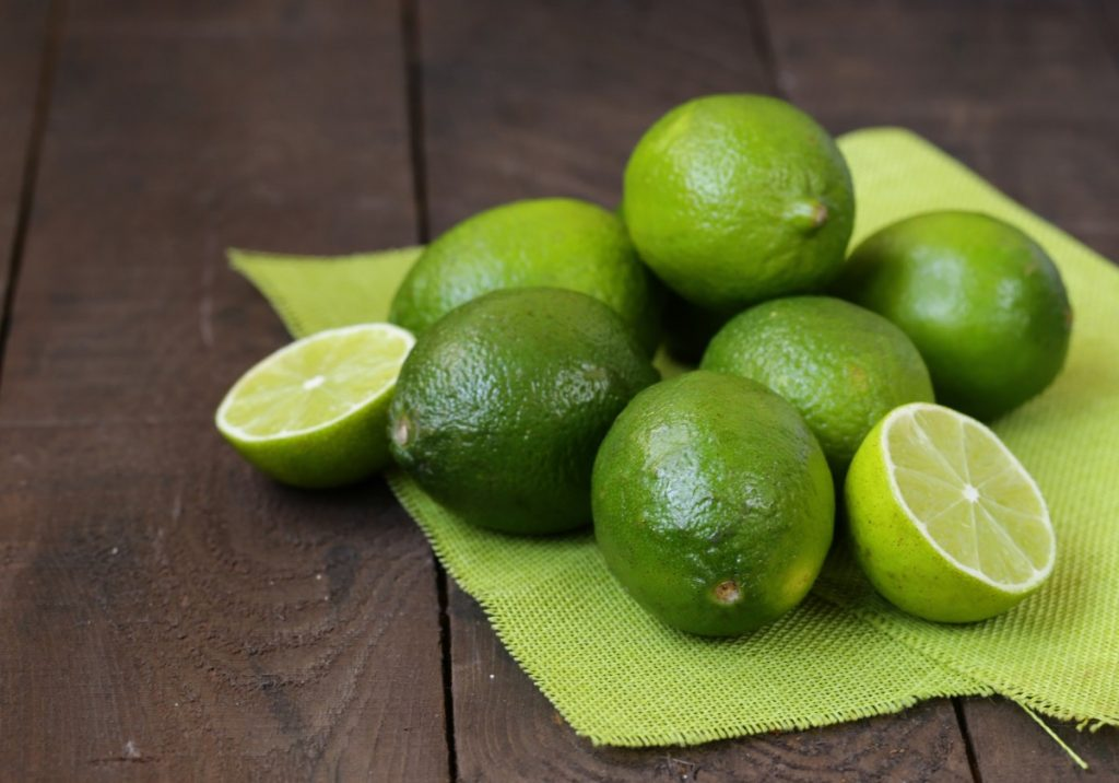Purifying Lime And Sugar Scrub For Acne; Fresh Organic Lime