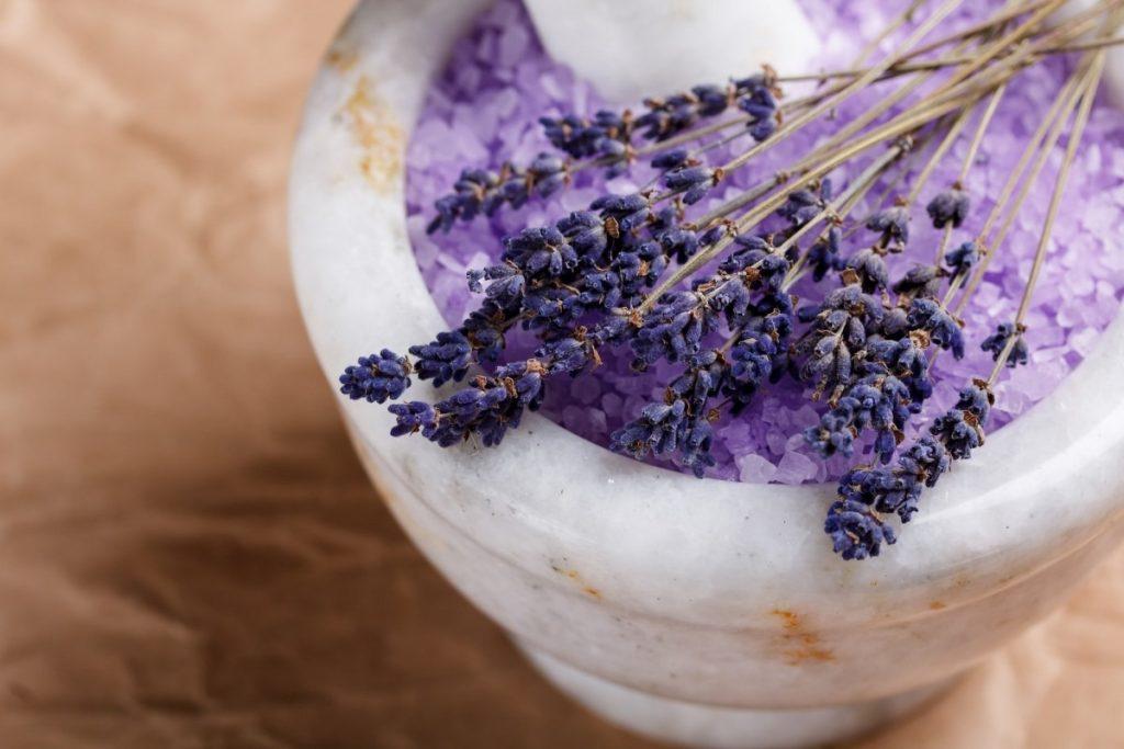 23 Ways To Make A Luxurious DIY Home Spa Bath On A Budget; Bath salt
