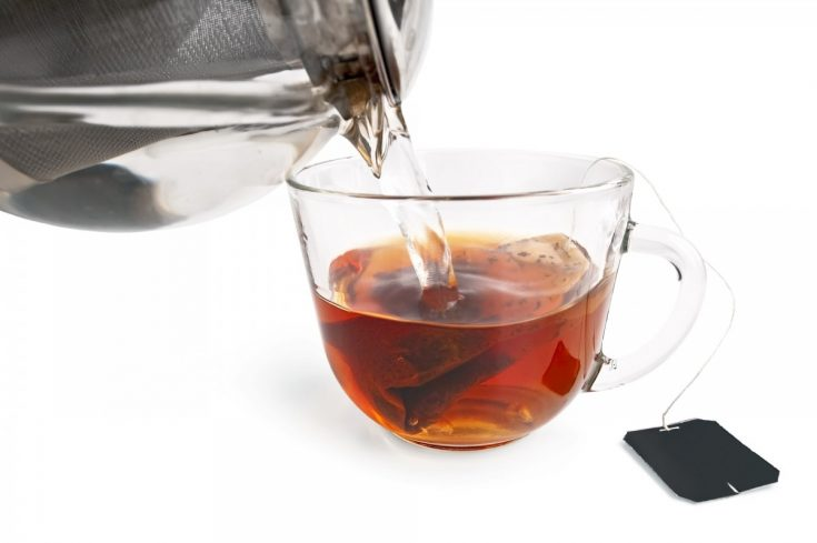 Tea is loaded with tannins that give better pigmentation when applied on skin.