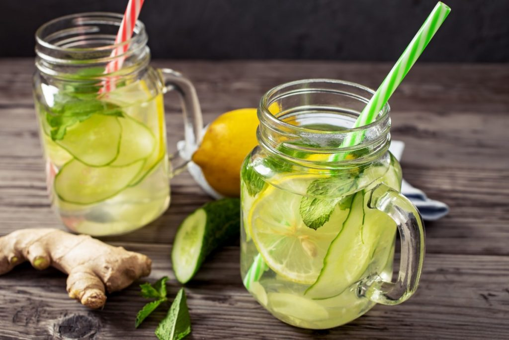 How To Have The Best At Home Spa Day: 25 Genius Ideas; Lemon and cucumber drink