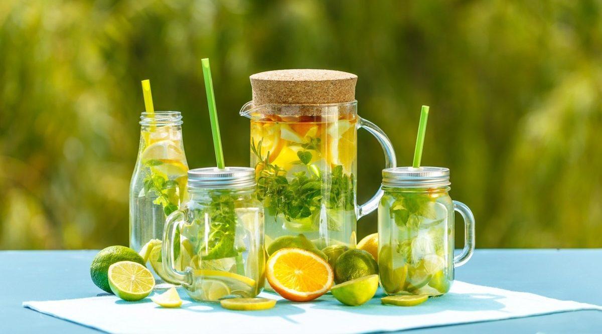 21 Invigorating Spa Water Recipes For Instant Energy; Healthy detox water