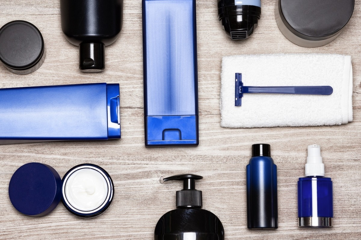 25 DIY Spa Gifts That Show How Much You Care; Men cosmetics must-haves - male grooming products flat lay