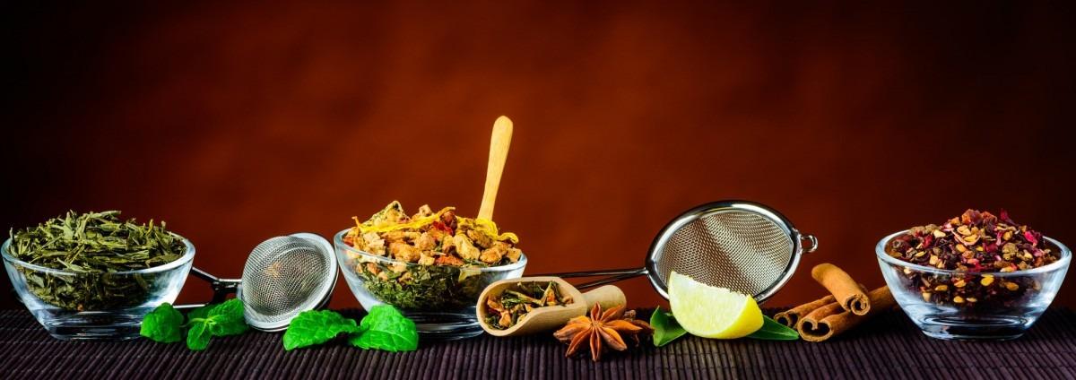 7 Best Bath Tea Bags That Heal All Skin Types; Tea Ingredients and Utensils