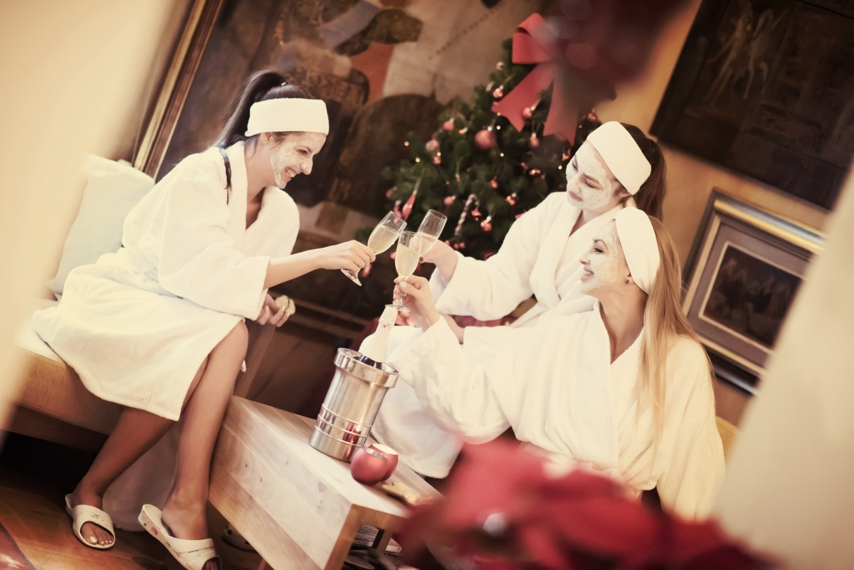 This DIY Spa Night Routine Will Give You A Youthful Glow; bachelorette party